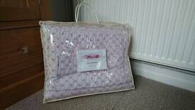 Pink single bedspread -