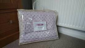 Pink single bedspread -