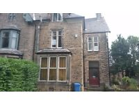 SPACIOUS STUDIO APARTMENT IN VICTORIA ROAD, OFF ECCLESALL RD, NEAR UNIVERSITY AND CITY CENTRE