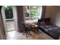 Spacious 3 Bedroom House with garden close to Hammersmith Station