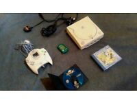 "SEGA Dreamcast Console (PAL) + 2 Games (""Jet Set Radio"" and ""Sonic Adventure 2"") + VMU Card + Cables"
