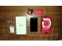 LG G4 mobile phone ,