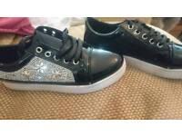 Size 6 shiny black and diamanté pump