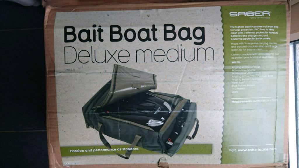 Saber Deluxe Padded Bait Boat Bag Medium