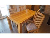Oak Veneer Ikea Dinning Room Table & Chairs