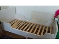 Child extendable wooden bed frame