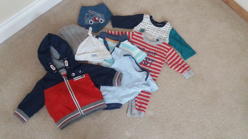 0-3, 3-6 , 6-9, 9-12 month clothes x2 pairs size 2 baby shoes one 6-9 month coat & snowsuit