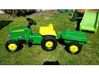 John Deere ride on kids tractor w/ trailer