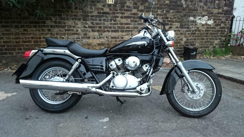 honda shadow vt 125 c4 black motorcycle custom cruiser in brixton london gumtree. Black Bedroom Furniture Sets. Home Design Ideas