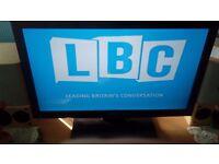 Toshiba 32 inch LCD TV and bush freeview digital recorder box