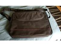 LAPTOP CASE.ZIP FASTENING. SHOULDER STRAP.EXCELLENT CONDITION.