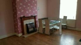 3 bedrooms house to let hx1