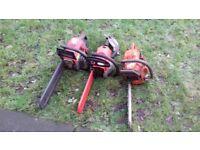 3 chainsaws