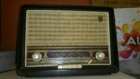 Vintage antique collectable item valve radio, good condition, can be delivered anywhere