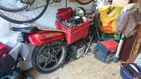 Classic 1980 Suzuki GS550e complete bike for rebuild/project