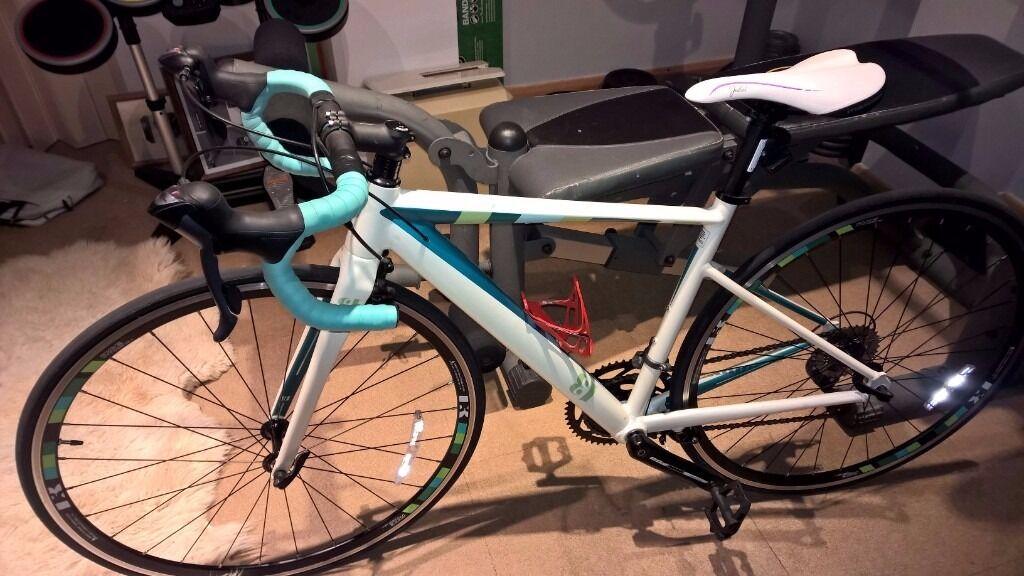 13 Intrinsic Lambda Womens Road Bike - Nearly new