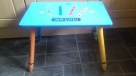 Crayon style kids table