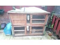 Rabbit hutch 2 tier with rabbits