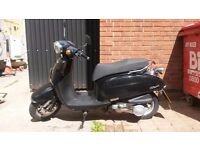 Daelim Besbi 125CC scooter black 15770km great machine, selling as upgrading to larger bike