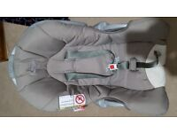 Beige colour Graco Junior Baby Group 0+ Car Seat in very clean and tidy condition.