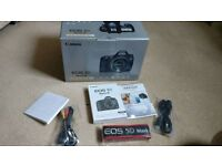 Canon 5d Mk3 with 24-105mm L series F4 lens - Excellent Condition Boxed