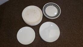 Set of 20 dinner plates