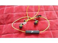 Goji Bluetooth earphones