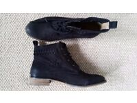 Black Fat Face leather boots, size 41 (8)