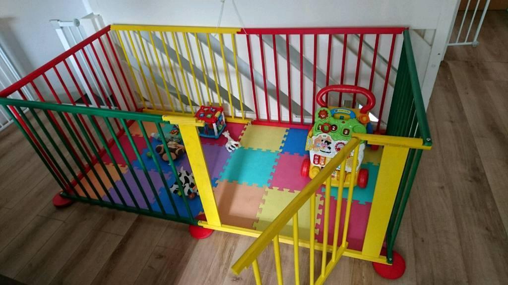 Baby / toddler playpen