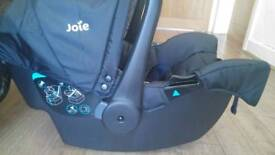 Baby car seat - like new