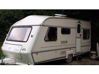 Caravan - Sleeps 5 - Hot & Cold Water - Kitchen - Fridge/Freezer - Toilet - Shower - Awning & Extras