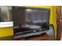 "TELEVISION 32"" SONY LCD FREEVIEW + GLASS TV STAND"