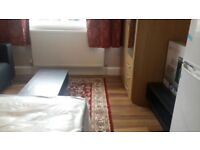 Large Double Room / Working people & Single Occupancy