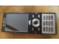 Sony Ericsson Walkman W995 - Black - UNLOCKED