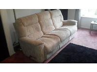 La-Z-Boy Large 3 Seater Recliner Settee and Large Single Recliner Armchair Beige