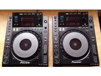CDJ 900 (Pair) & DJM 700 & Spyder Flight Case
