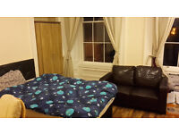 En suite short let for all of June close to Charring Cross at discount price