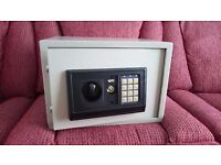 Electronic Safe - fully working