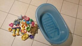 Bits and bobs for baby (Baby bath tub, counting maracas, teddy bears...)