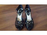 Ladies black sandals size 4