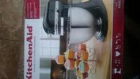 Brand new 4.5 quart tilt-head stand mixer
