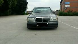 MERCEDES E220 SPARES OR REPAIRS OR PROJECT PLEASE READ THE FULL DESCRIPTION FIRST