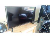 "32"" LG Flat screen TV"