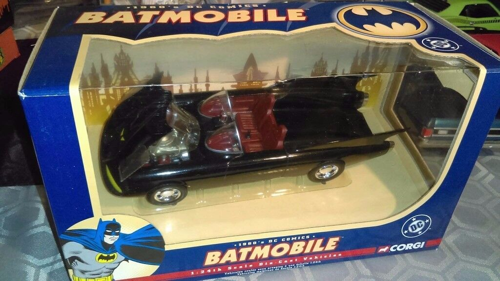 CORGI BATMOBILE 1960's DC COMICS 1:24 Classic Diecast model