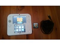 NINTENDO 2DS WITH 2 GAMES WHITE-RED FULLY WORKING IN GREAT CONDITION