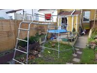 Tp climbing frame with monkey bars and ladder