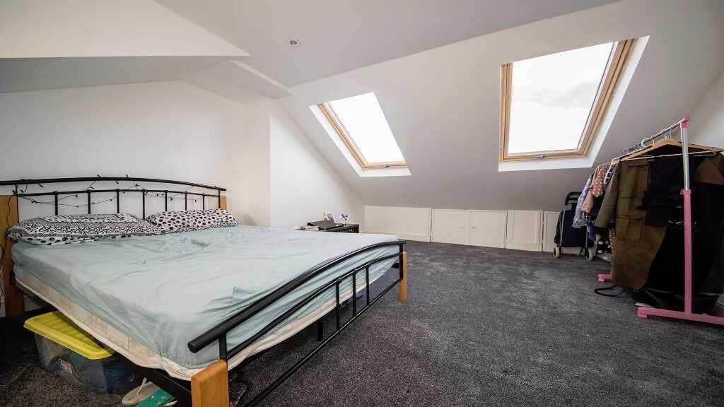 LARGE DOUBLE ROOM AVAILABLE!! All bills, council tax & wifi included!! Holloway, Finsbury Park, N7!!