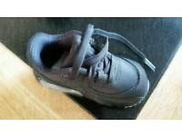 Baby Nike trainers 5.5