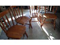 4 very nice dining room chairs