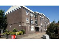 Fantastic 3 bedrooms ground floor flat with large reception, kitchen and back garden